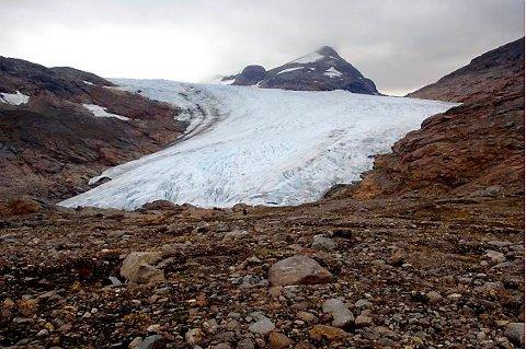 Forskerne skal finne ut hvordan framtidens klima blir i Norge når isbreene smelter. Her fra Okstindbreen i Nordland.