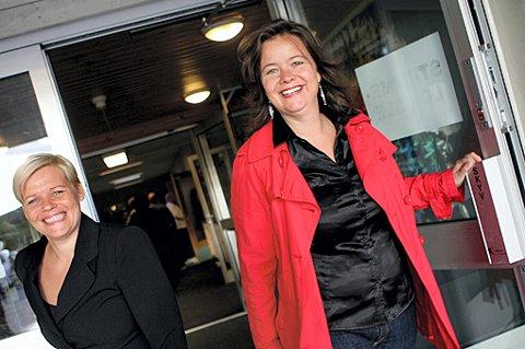 KVINNER TIL MAKTEN: Mette Tønder (H) t.h, blir ny ordfører i Nittedal. Tone T. Johansen (Frp) blir varaordfører. FOTO: LISBETH ANDRESEN