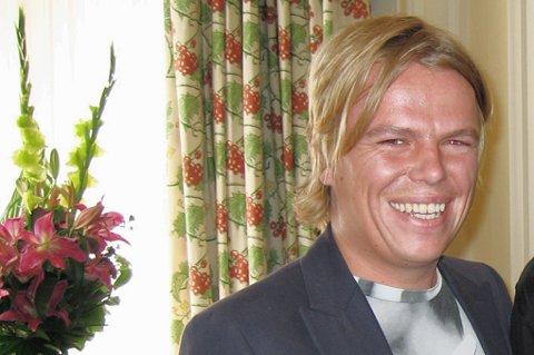 - BURDE IKKE VÆRT PÅ SCENEN: NRK-journalist Morten Stokstad  fra Rælingen.