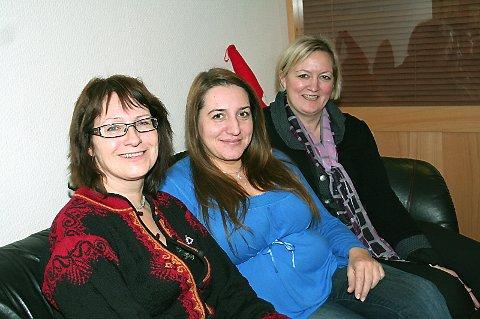 GLEDER SEG: Damene i dugnadsgruppa for Sigridkongressen ser fram til neste års arrangement. F.v: Sissel Hesjedal, Sonja Folgerø og Mona Vistnes. (foto: Lise Hansen)