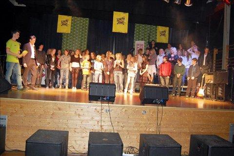 Alle som deltok fekk diplom etter at UKM-mønstringa var ferdig.