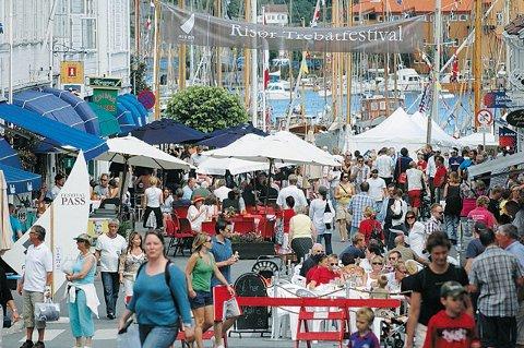 Samferdselsdepartementet vil ha svar  hvilket rettslig grunnlag khar for  å stenge byens gater under festivalene.