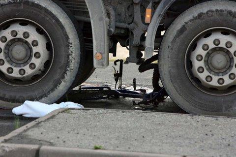 PÅKJØRT: Mannen kom syklende da han ble påkjørt. FOTO: KAY STENSHJEMMET