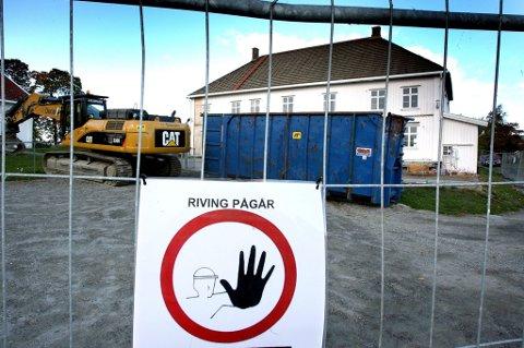 INGEN ADGANG: Sørum kommune mener bygningsantikvar Ola H. Fjeldheim tok seg ulovlig inn i hovedbygningen på Nordli. FOTO: KAY STENSHJEMMET