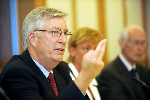 Den nye finansministeren Sigbjørn Johnsen varsler at det er i 2011 innstramningstiltakene kommer.(Arkivfoto: Vidar Ruud, ANB)