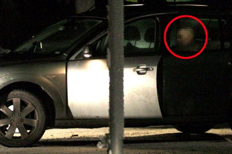 TATT: På Rånåsfoss ble de to biltyvene inhentet av politiet. De ble fraktet tilbake til arresten og vil bli sittende der over natta. FOTO: ESPEN BOLSTAD