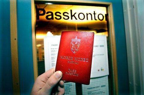 Politiet innfører lagring av fingeravtrykk i pass fra 6. april.