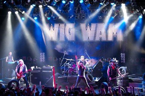 Wig Wam åpnet turneen sin i Japan tirsdag kveld, med konsert foran 300 publikummere i Osaka.