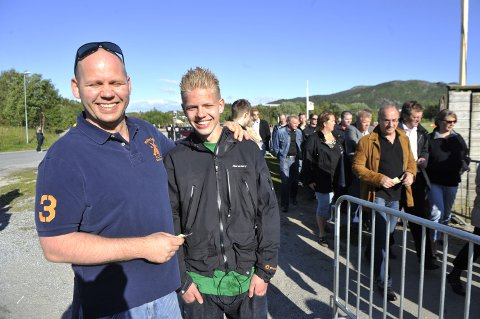 Jan Gunnar Halvorsen og Jan Christian Halvorsen mistet billettene i køen. Heldigvis ble det konsert likevel.