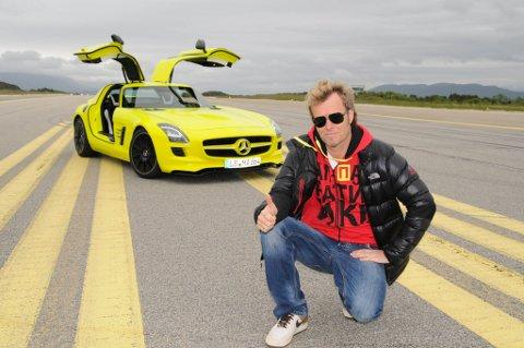 Tommelen opp for Mercedes'  første super-sportsbil kun drevet av el-kraft.