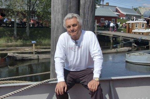 FETSUND LENSER: John Irving besøker Fetsund Lenser i forbindelse med Bokprogrammet på NRK 2.