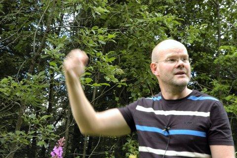 de1700b2 Trond Grønvold sier han så to bjørner i skogen da han var på tur med sin