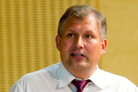 AVVISER: Olje- og energiminster Terje Riis Johansen. FOTO: SCANPIX