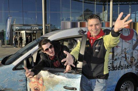 Søker ungdom fra Larvik: Jon Steinar Tufte og Bob Stian Nerland fra Melodi Grand Prix staben i Skien søker nå lokale talenter som ønsker å være med i en lokal MGP-konkurranse i Skien den 29. januar. (Foto: Nils-Erik Kvamme)