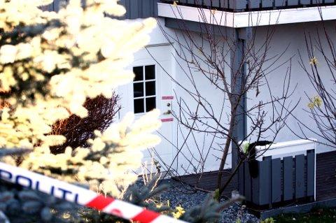 PLOMBERT: Inngangsdøra til kjellerleiligheten er plombert. FOTO: STIG ATLE BAKKE