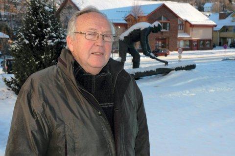 SKUFFET: Ordfører Reidar Eriksen i Søndre Land er overrasket over at Toten-kommunene og Gjøvik er kommet i gang med forberedelsene til en sammenslåing. Han er lei seg over at ikke hans kommune har fått være med.ARKIVbilde