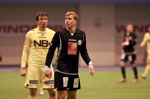Stålkams Martin Bjørnbakk (fremst) følges nøye av Håvard Sakariassen og Bodø/Glimt.