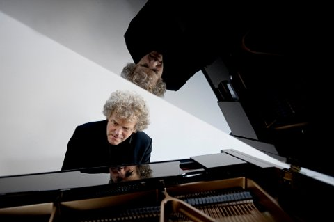 Med ?Blaue Blume? slepp pianist Rune Alver sin tredje CD. (Foto: Lawo classics)