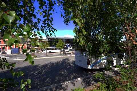STEDET: Det var utenfor Skysstasjonen i Lillehammer politiet gjorde det store pillebeslaget.