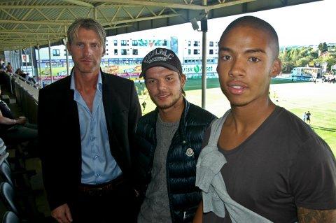 Cato Hansen får disse to unge danskene ut høstsesongen. Danni Jensen (i midten) og Thobias Skovgaard skal fylle tomrommet etter Mounir Hamoud og Per Verner Rønning.