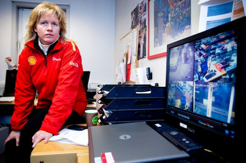 RYSTET: Daglig leder Nina Sandnes har aldri opplevd maken. Nå har hun gjennomgått videobildene sammen med politiet. FOTO: LISBETH ANDRESEN