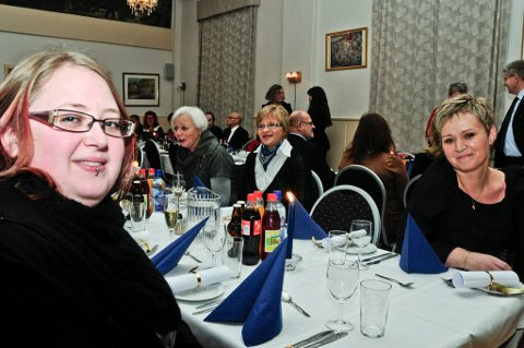 Sunniva Lunde (22) fikk kjennskap til  Villa Vekst gjennom Kristin Estensen (t.h.) som drev Hybelstua.