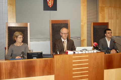 Wenche Elizabeth Arntzen og Arne Lyng er oppnevnt som dommere i rettssaken mot terrorsiktede Anders Behring Breivik. Her sammen med Sorenskriver Geir Engebretsen.