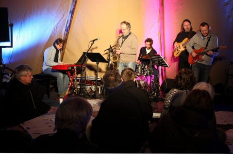 Henning Gravrok Band åpnet Bodø Jazz Open onsdag ettermiddag.