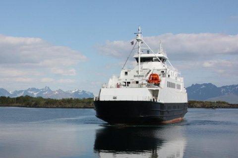 "B/F ""Sigrid"" trafikkerer strekningen Fiskebøl - Melbu."