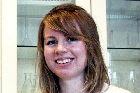 Oda Lauten (19) er en av de 50 beste i Kjemi-OL 2012, og skal i helga være deltaker på kjemikonferanse i Stockholm.