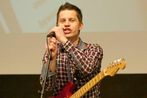 Jørn Atle Støa fra Hønefoss har laget musikken, produsert låta og er artisen som fremfører VM-låta.