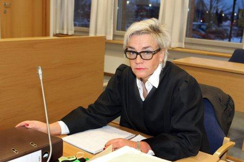 NEKTER SKYLD: Begge de to siktede nekter straffskyld. Gunhild Lærum, forsvareren til en av de to, sier mannen trodde han fraktet kjøleelementer. FOTO: KAY STENSHJEMMET