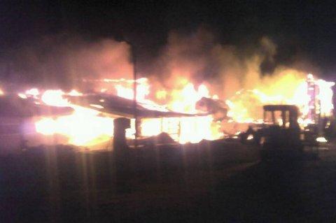 OVERTENT: Brannen i garasjeanlegget i Kariel ble meldt rundt klokka 04.