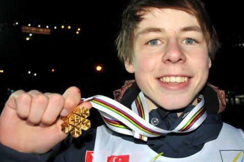 Mats Berggaard vant gull med det norske laget under laghoppingen i junior-VM.