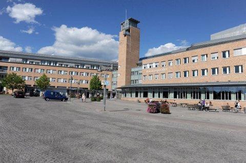 Oslo universitetssykehus (OUS) brøt ventelistegarantien 7.065 ganger i 2011. Det utgjør rundt 12,5 prosent av sykehusets pasienter.