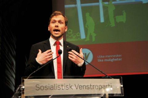 Audun Lysbakken på talerstolen under SVs landsmøte.