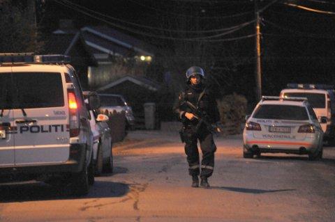 STORE STYRKER: Politiet brukte store ressurser på politiaksjonen torsdag kveld.