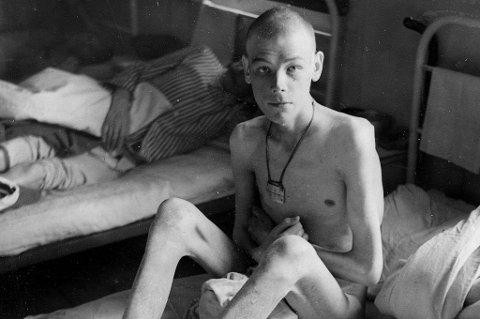 Avmagret: En av de russiske krigsfangene fra Storfjord fotografert på lasarettet i Øverbygd. Mange var så avkreftet at de døde etter frigjøringen. Alle fotoer tatt av den svenske politifotografen Bjørn Winsnes som assisterte den britiske War Crimes Commision.