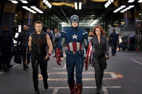 SUPERLAG: Når verden trues med utslettelse, er det opp til Hawkeye (Jeremy Renner), Captain America (Chris Evans) og Black Widow å ordne opp.