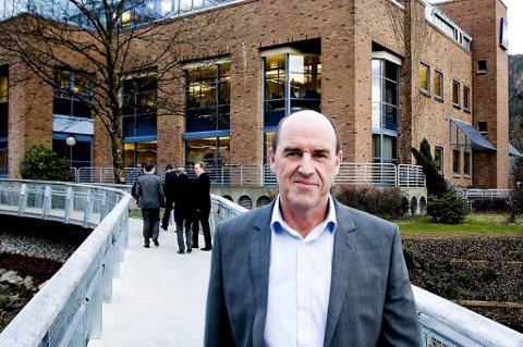 Der går mot forlik for administrerande direktør Arvid Andenæs  og Sparebanken Sogn og Fjordane i en strid om vautarådgivning til en kunde.