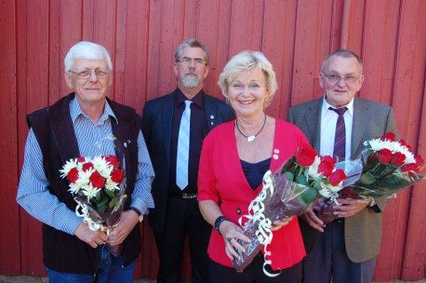 Fra venstre Per Cato Eriksen, partileder Samuel Arnt Larsen, Elsa May Masdalen og Hans Henriksen under 1. maiarrangementet på Lunden grendehus. FOTO: Svein Walstad