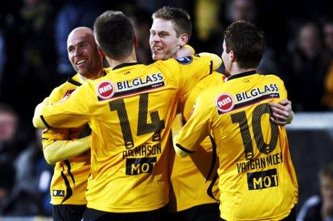 Lillestrøm. Johan Andersson jubler etter scoring.