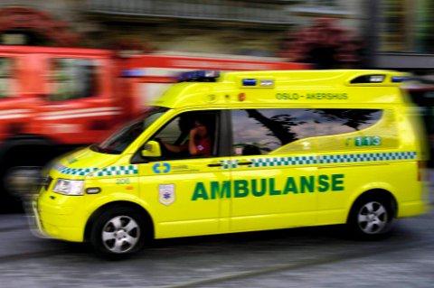 En fallskjermhopper ble skadet idet hun skulle lande lørdag.
