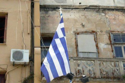 Krisetrøtte grekere går i dag til valgurnene.