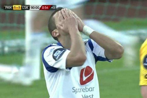 Nikola Djurdjic fortviler etter å ha bommet på en av sine mange sjanser mot Lillestrøm.