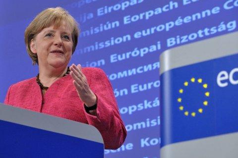 - Den europeiske statsgjeldskrisen vil ikke bli løst over natten. Det finnes ingen vidundermedisin, sier Angela Merkel.