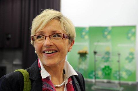 Kommunalminister Liv Signe Navarsete har en gladmelding til landets kommuner: Skatteinntektene øker mer enn antatt.