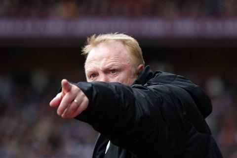 Alex McLeish er ferdig i Aston Villa.