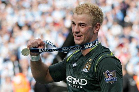 Joe Hart jublet for ligagullet med Manchester City. Nå venter imidlertid store oppgaver med det engelske landslaget.