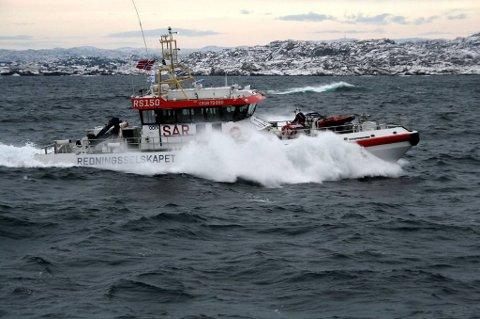 Seilbåten som ble meldt savnet er funnet grunnstøtt.